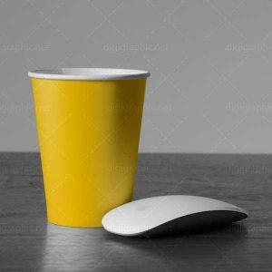 موکاپ لیوان کاغذی لایه باز