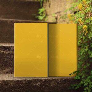 موکاپ طرح کتاب روی پله