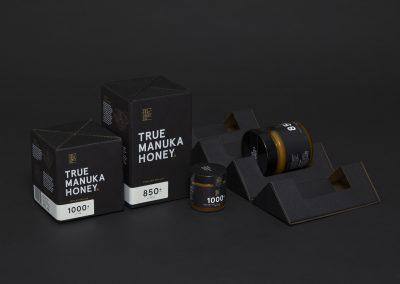 True-Honey-Company-Branding-Packaging-New-Zealand-Marx-Design-inspiration-mindsparkle-mag-www.mindsparklemag.com-3